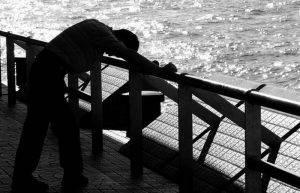 suntem-tot-mai-tristi-si-mai-singuri-depresia-e-boala-secolului_size6