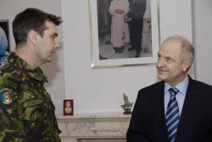Cu Președintele Kosovo, Fatmir Sejdiu, în 2008 înainte de declararea independenței provinciei