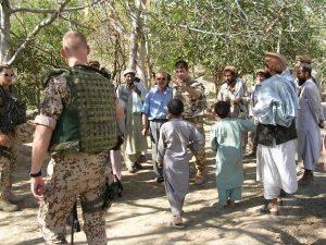 Poza din Uzbin Valley, locul in care 5 ani mai tarziu in 2009 au murit 10 francezi pt ca nu au avut operatii psihologice