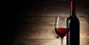 25341-650x330-vin-rouge-igor-klimov-fotolia