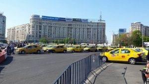 Taximetristii au protestat în Piața Victoriei față de platforma Uber