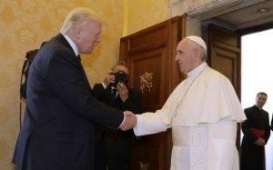 Prima intalnire dintre Donald Trump şi Papa Francisc Q Magazine