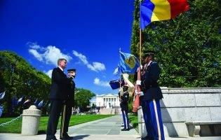 Iohannis și cei trei Escu