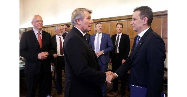 Întrevederea premierului Sorin Grindeanu cu președintele Comitetului Economiei germane Q Magazine