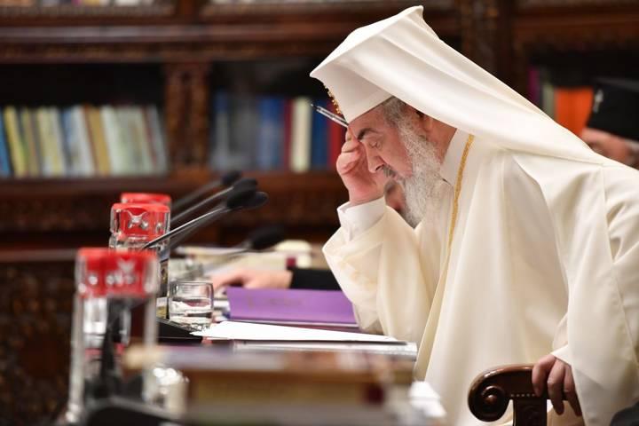 28-octombrie-2016-Patriarhul-Daniel-in-timpul-sedintei-Sfantului-Sinod-2