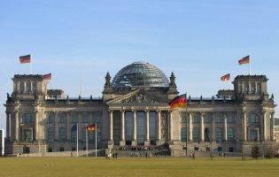 Doi români au intrat în Bundestag. Q Magazine a stat de vorbă cu ei
