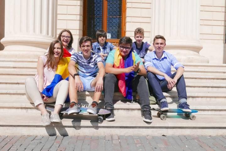 echipa romaniei la Olimpiada de robotica de la washington