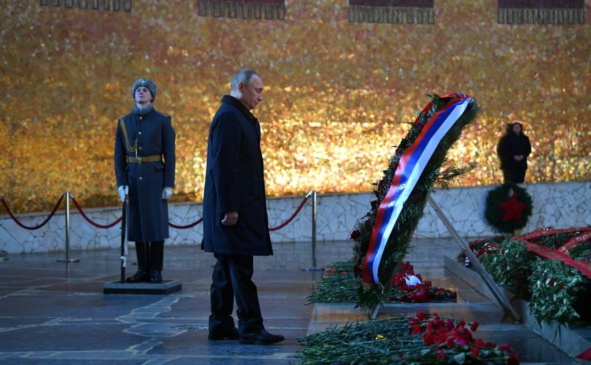 Putin la mormantul soldatului necunoscut