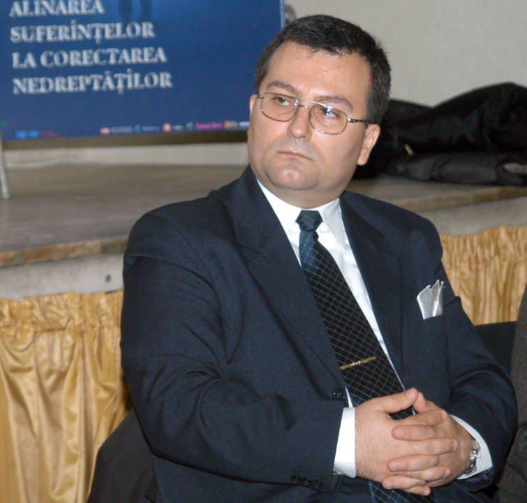 Avocat in Baroul Paris, Profesor Corneliu Liviu Popescu, QMagazine