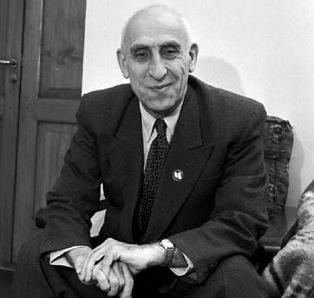 E ceva putred în America? Mohammad-Mossadegh-Q-Magazine
