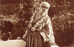 Ia românească, de la regine la pictori celebri